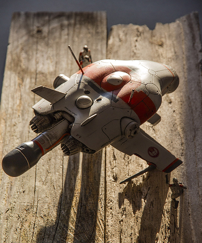 Moondrone_Print_Schraegoben