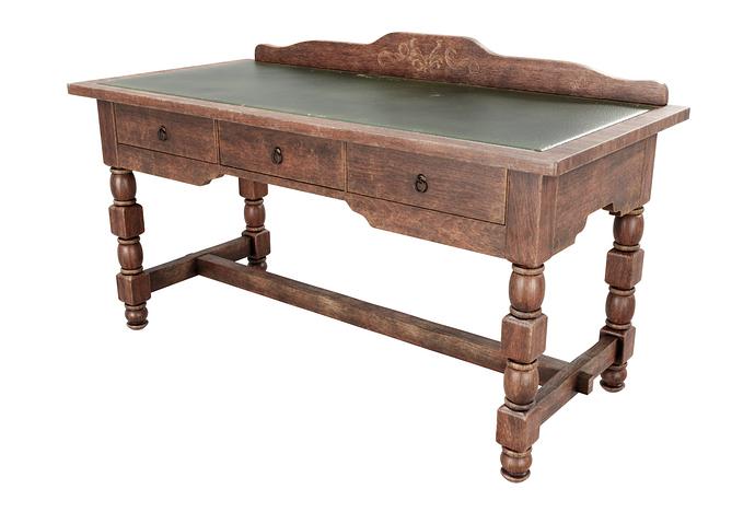 Old_Desk_Render_2_PS