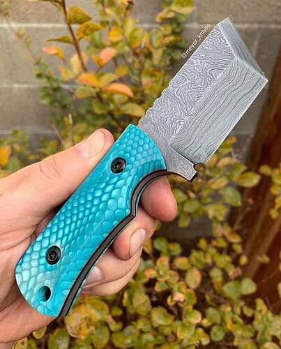 Juma knife handle