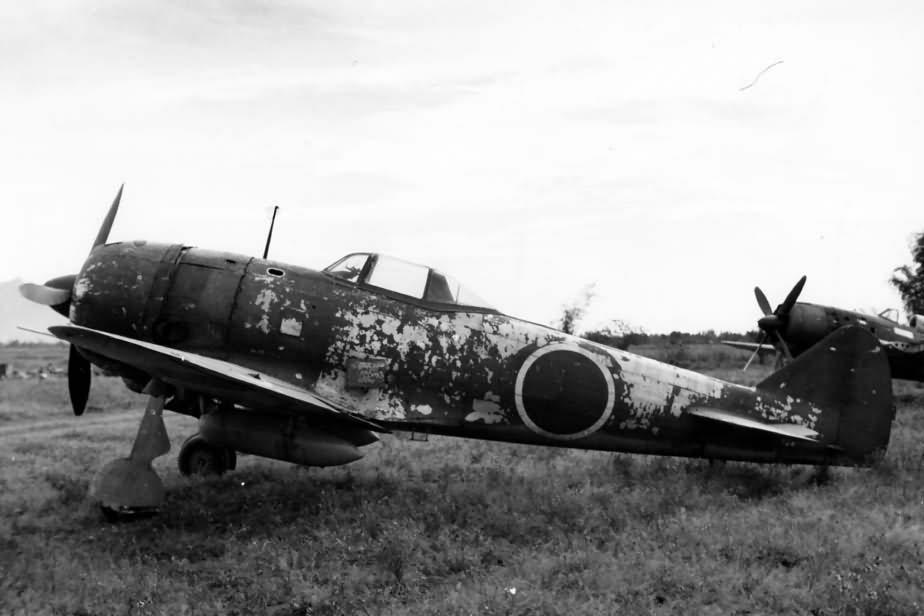 Nakajima_Ki-84_Hayate_Frank_Clark_Field_1945