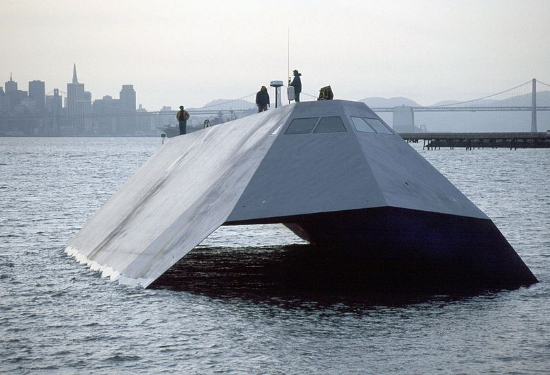 800px-US_Navy_Sea_Shadow_stealth_craft